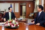 김홍장 당진시장, 총리 만나 현안해결 지원설득