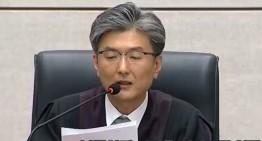 박근혜 전 대통령 1심 징역 24년 벌금180억 선고